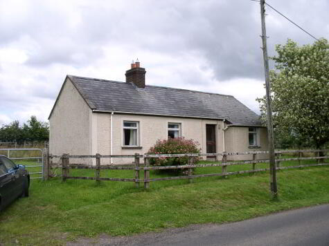 Detached Cottage on 1/2 acre