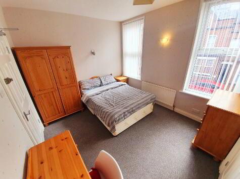 Photo 1 of Room 2 Ensuite, 19 Chadwick Street, Lisburn Road, Belfast