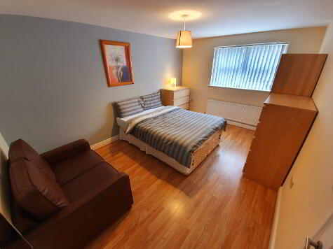 Photo 1 of Room 2, 1 Sandymount Street, Stranmillis, Belfast