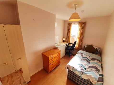 Photo 1 of Single Room 3, 104 Dunluce Avenue, Lisburn Road, Belfast