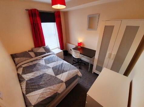 Photo 1 of Room 2, 92 Edinburgh Street, Lisburn Road, Belfast