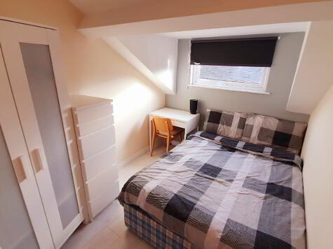 Photo 1 of Room 5, 14 St Ives Gardens, Stranmillis, Belfast