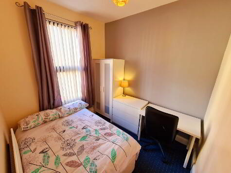Photo 1 of Room 6, 8 Wellesley Avenue, Lisburn Road, Belfast