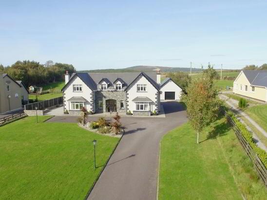 Photo 1 of 'Rossalia', Lough Guitane, Glenflesk, Killarney