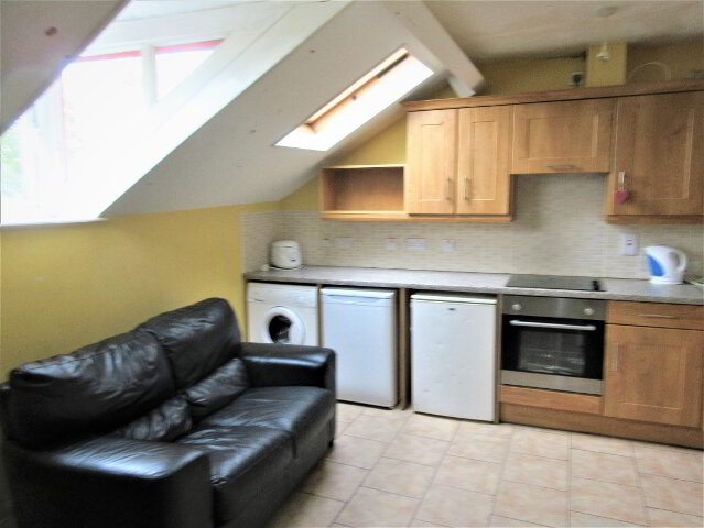 Photo 1 of Great Apartment, 66C Rugby Avenue, University Quarter!, Belfast