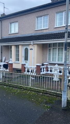 Photo 1 of 30 Meenan Drive, Bogside, houses to rent in Derry