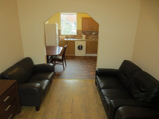 Photo 1 of Student Apartment, 20B Fitzroy Avenue, Queens University Quarter, Belfast