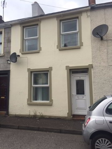 Photo 1 of 5 Cable Street, houses to rent in Derry