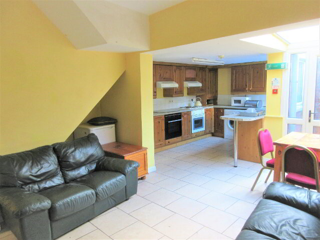 Photo 1 of Student ~ 6 Bedroom House, Agincourt Avenue, Queens Quarter, Belfast