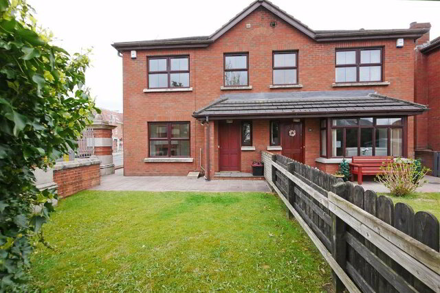 Photo 1 of 18B Hillsborough Road, Carryduff, Belfast
