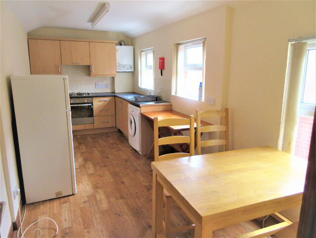 Photo 1 of Great 4 Bedroom Apartment!, 109B University Avenue, Queens Quarter, Belfast