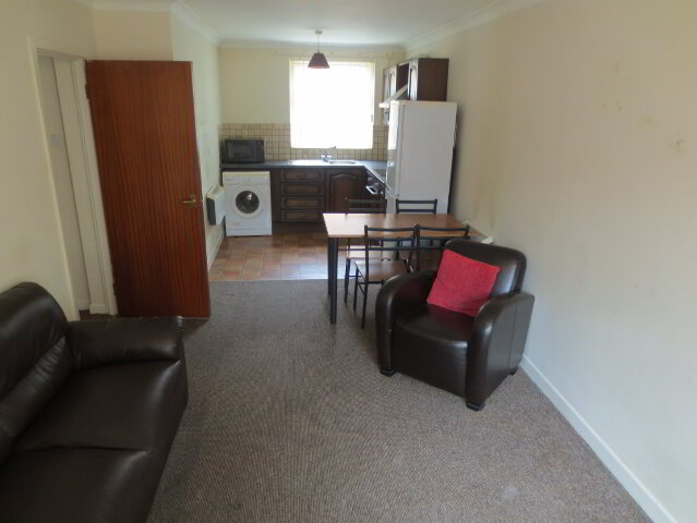 Photo 1 of Great 2 Bedroom Apartment!, 8B Windsor Close, Malone Road, Belfast