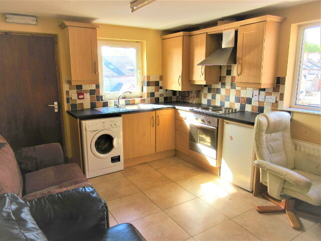 Photo 1 of Great ~ 2 Bedroom Apartment, 131 University Avenue, Queens University...Belfast
