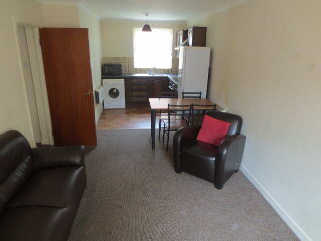 Photo 1 of Great Apartment, 8B Windsor Close, Queens University Quarter, Belfast
