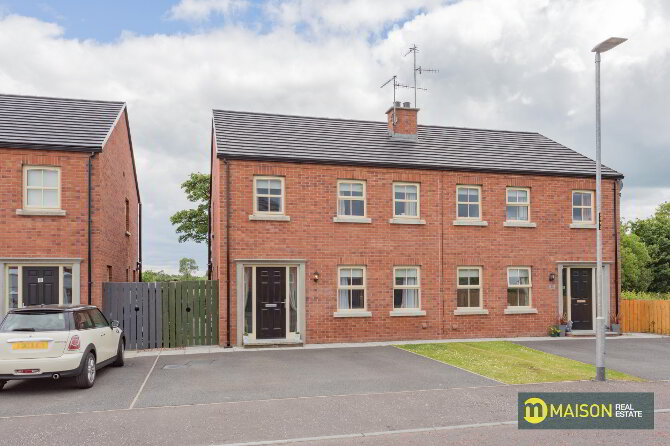 Photo 1 of 33 Oakview, Armagh