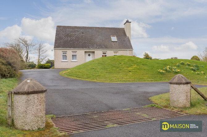 Photo 1 of 21 Mullanasilla Road, Armagh