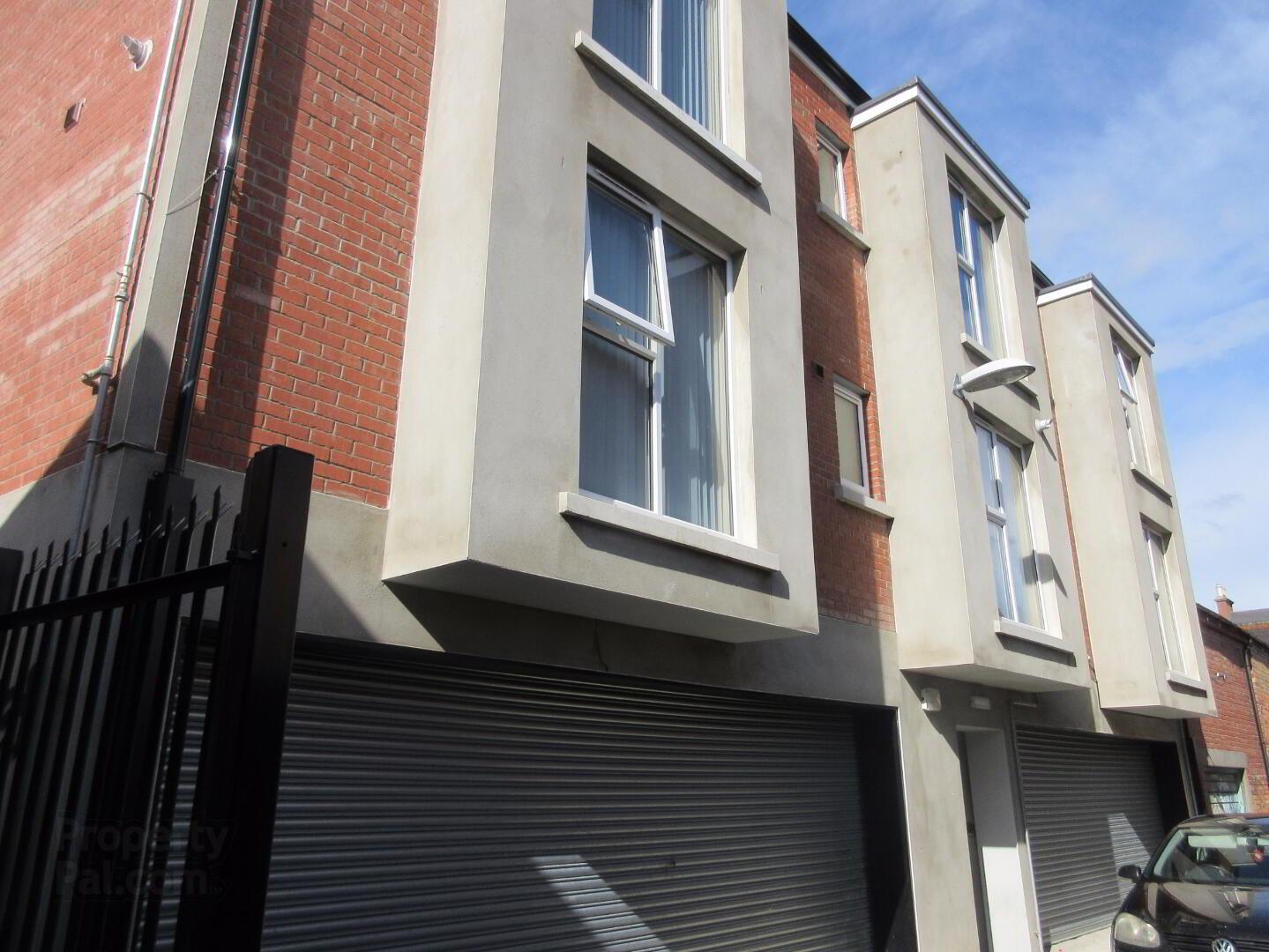 Great Apartment, 101 Rugby Avenue, Fitzwilliam Mews ...