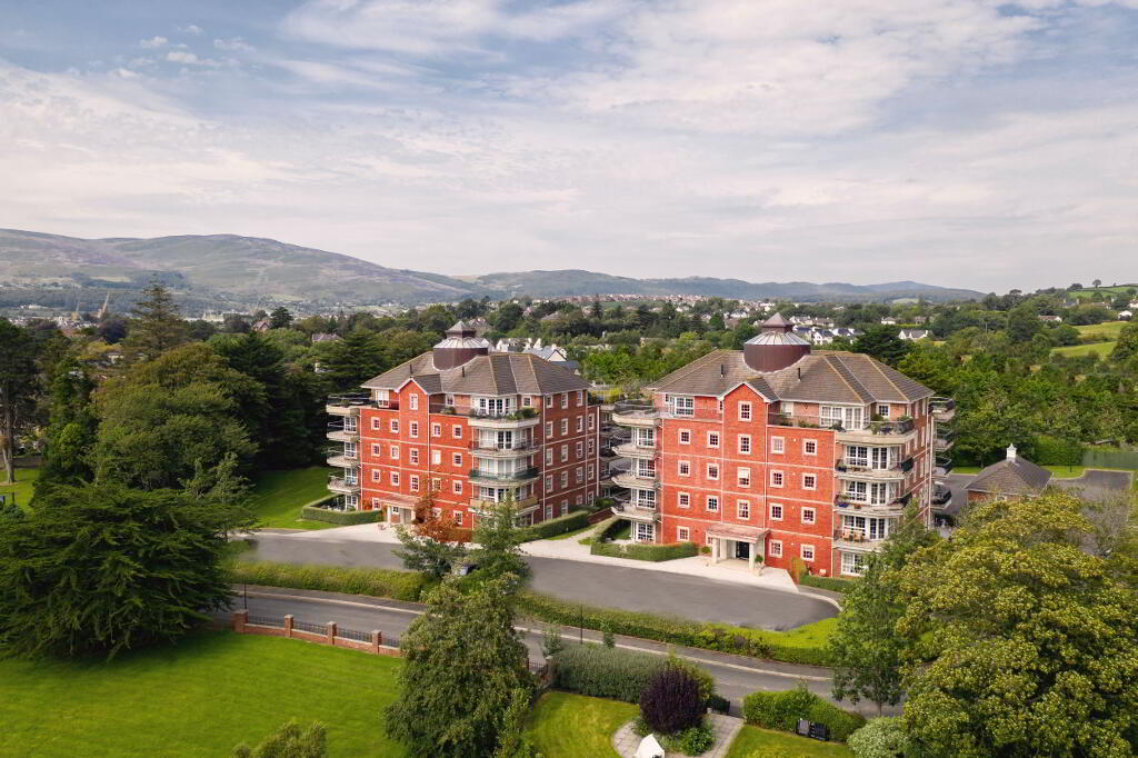 Photo 3 of Third Floor 2 Bedroom Apartment, Seafields Court, Rostrevor Road, Warrenpoint