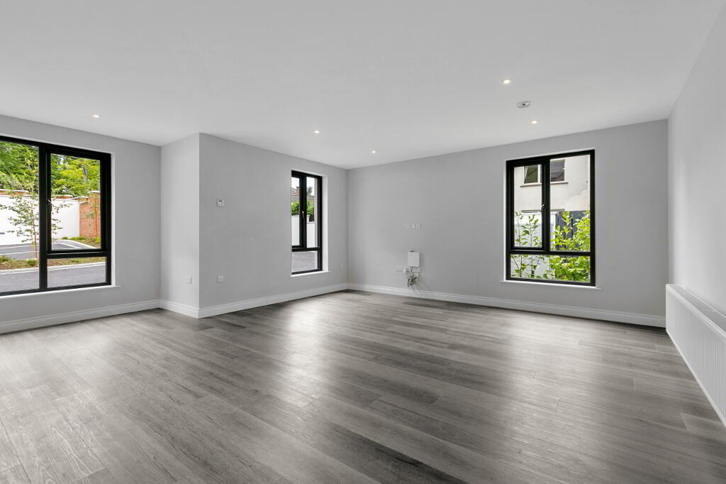 Photo 7 of Apartment 1, 45 Newforge Lane, Malone Road, Bt9 5Nw, Belfast