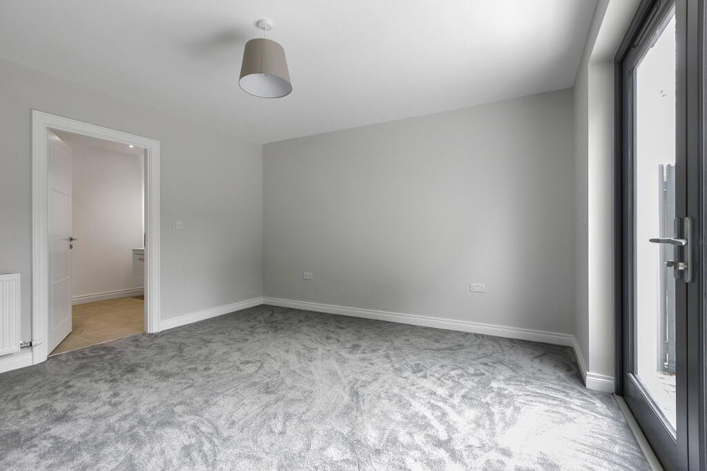 Photo 17 of Apartment 2, 45 Newforge Lane, Malone Road, Bt9 5Nw, Belfast