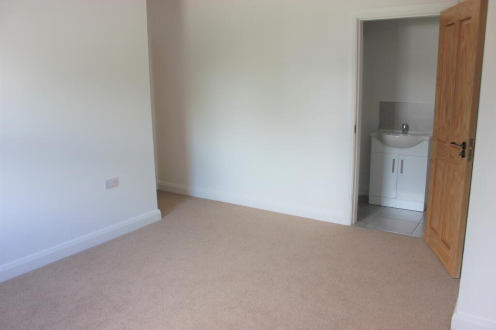Photo 7 of 3 Bed Deatched, Millstone Drive, Scallen Road, Irvinestown