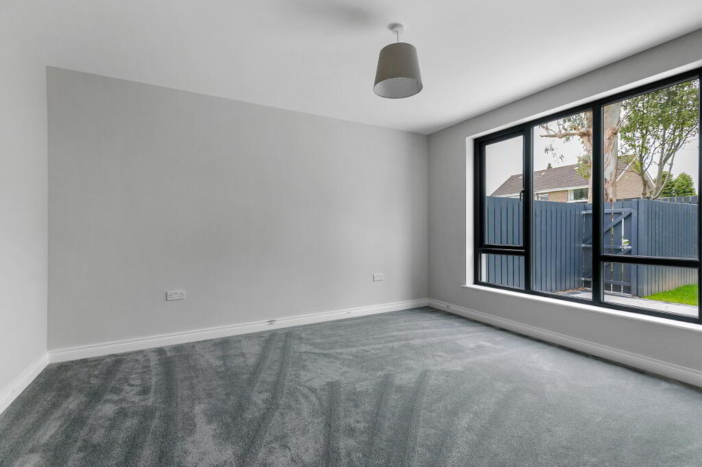 Photo 18 of Apartment 1, 45 Newforge Lane, Malone Road, Bt9 5Nw, Belfast
