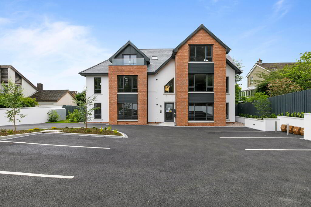 Photo 4 of Apartment 1, 45 Newforge Lane, Malone Road, Bt9 5Nw, Belfast