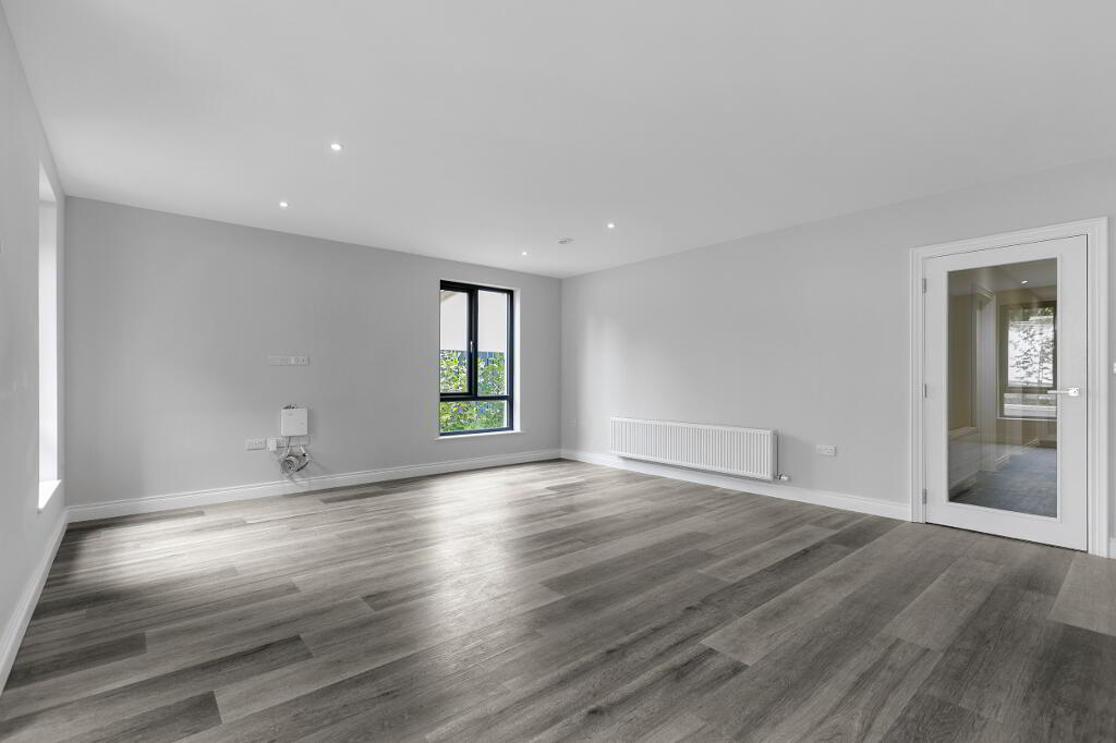 Photo 8 of Apartment 1, 45 Newforge Lane, Malone Road, Bt9 5Nw, Belfast
