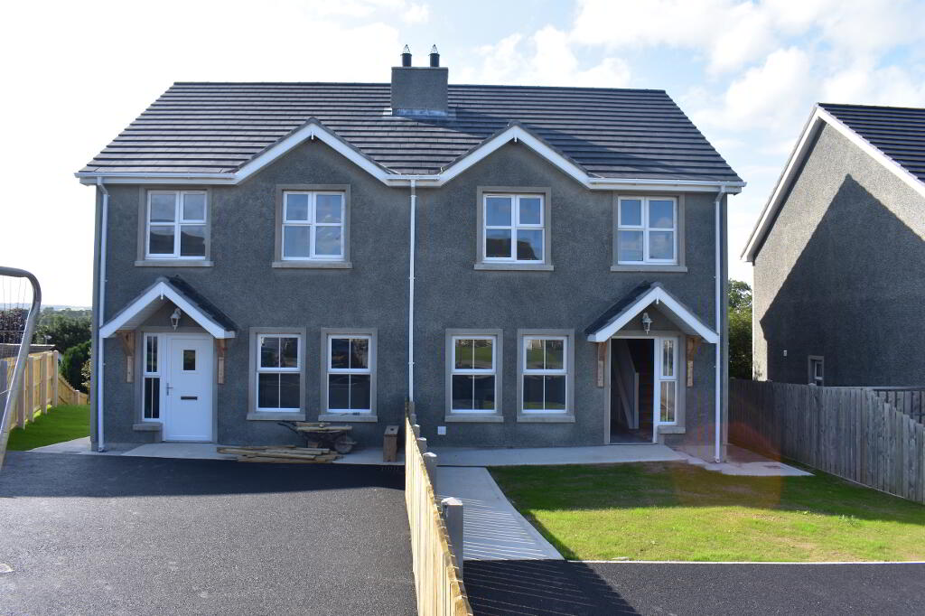 Photo 3 of Neills Avenue, Loughgilly