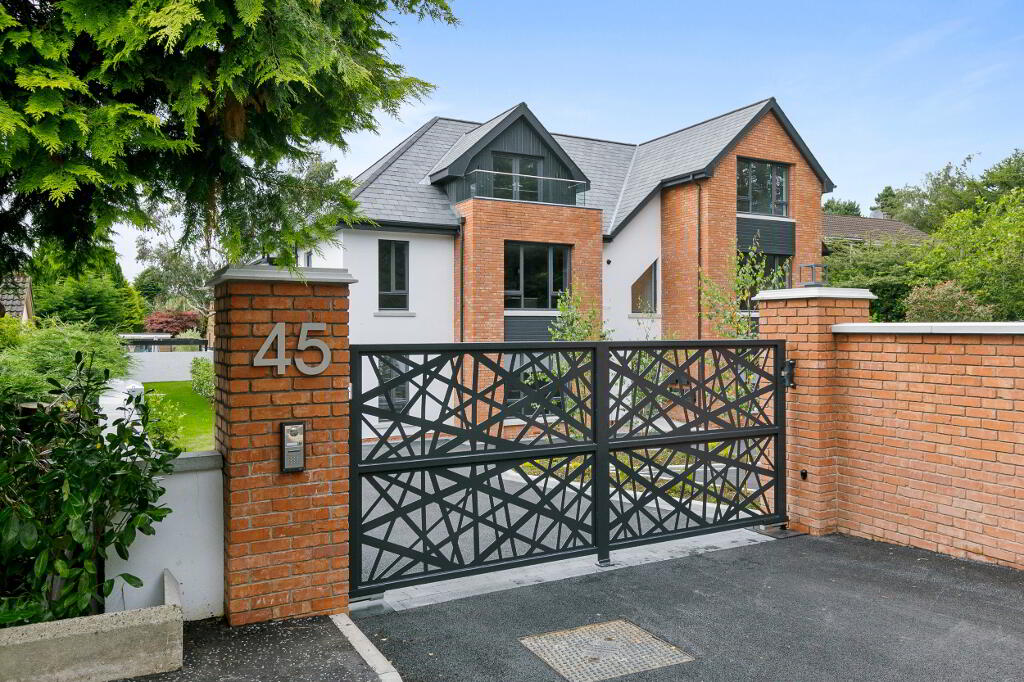 Photo 1 of Apartment 4, 45 Newforge Lane, Malone Road, Bt9 5Nw, Belfast