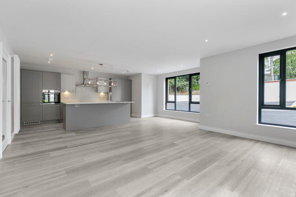 Photo 5 of Apartment 1, 45 Newforge Lane, Malone Road, Bt9 5Nw, Belfast